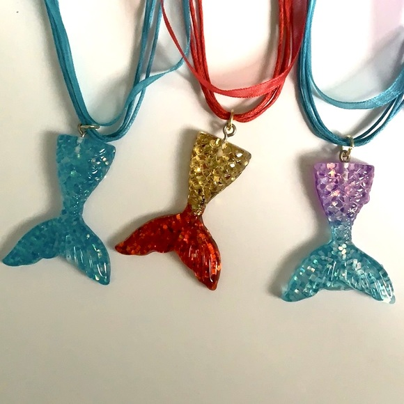 Children necklaces
